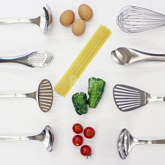 日本原装进口柳宗理304不锈钢厨房烹饪用具锅铲汤勺漏勺打蛋器
