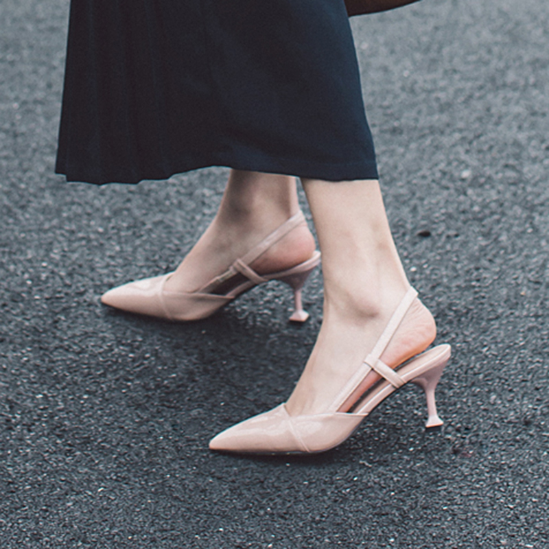 2019春夏新款女鞋裸色尖头细跟高跟单鞋黑色包头百搭中跟猫跟凉鞋