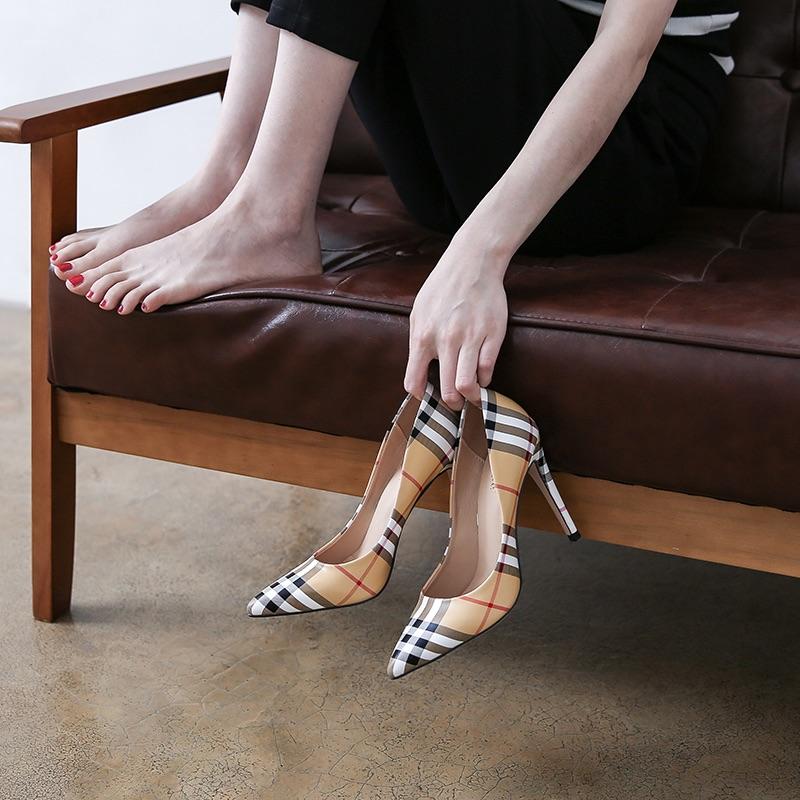 2020春季韩版新品女鞋浅口格子纹单鞋时尚尖头细高跟条纹大小码31
