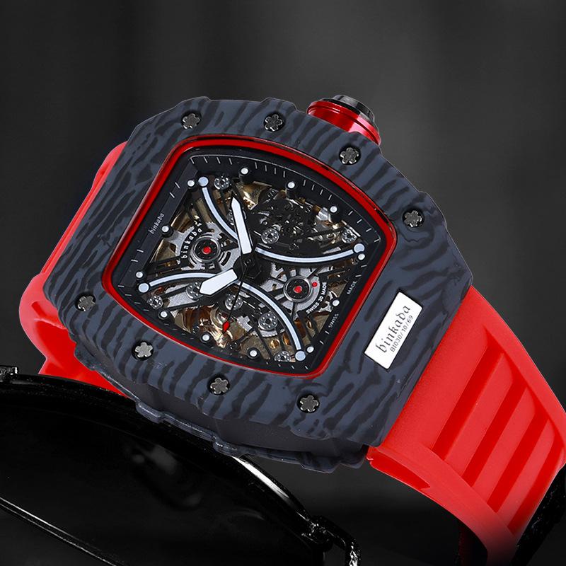 リチャードの新型のビンカードは透かして全自動機械式時計ミラーの腕時計の男性のシリカゲルのファッション的な運動表に達します。