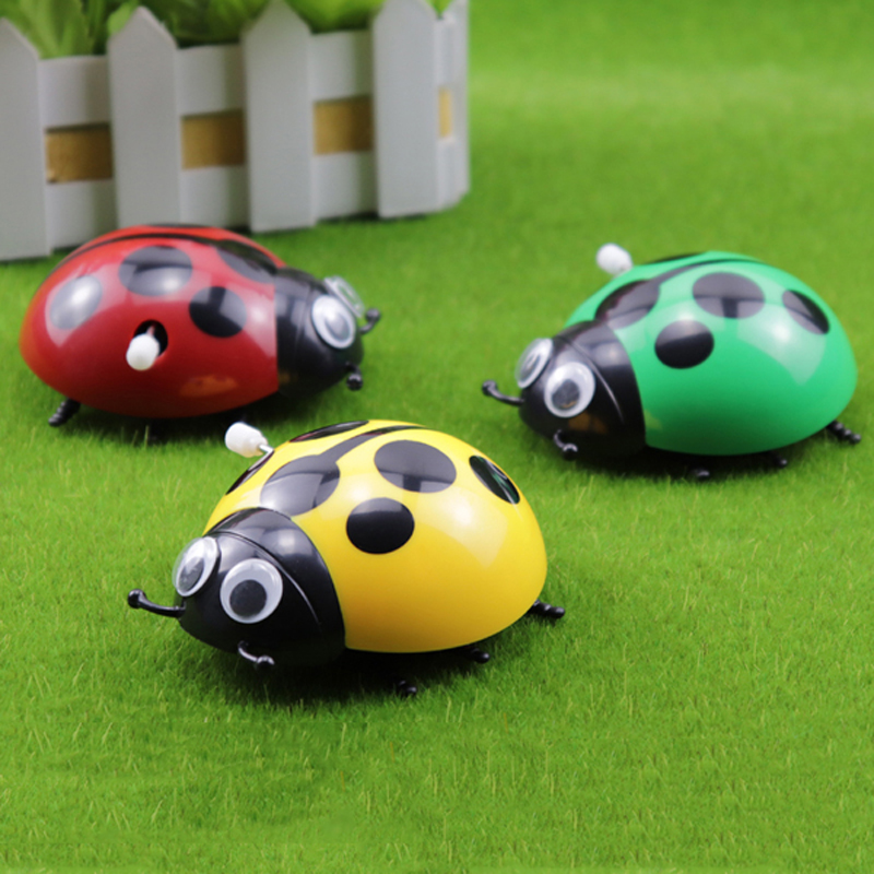 Seven Star Ladybug clockwork toy cute little insect popular science color boys and girls on the chain simulated crawling small gift