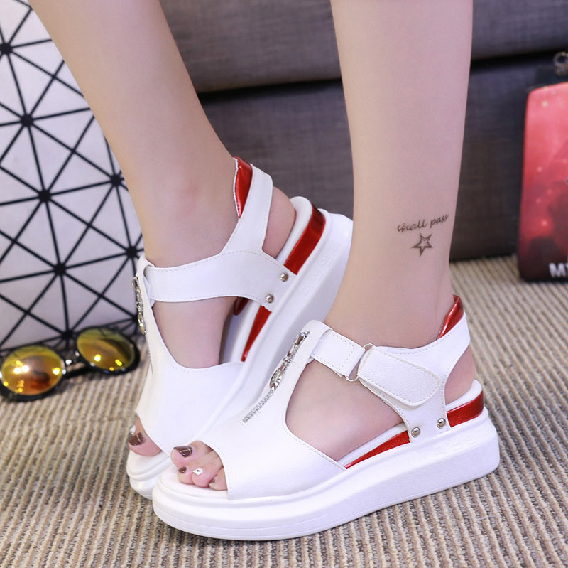 Sandals fairy 2020 new summer versatile student flat bottom fish mouth muffin thick bottom ins fashion girl Sports