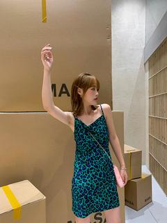 肯豆的夏日体验 轻欧美小野豹时尚气质吊带连衣裙女夏 AC大王家