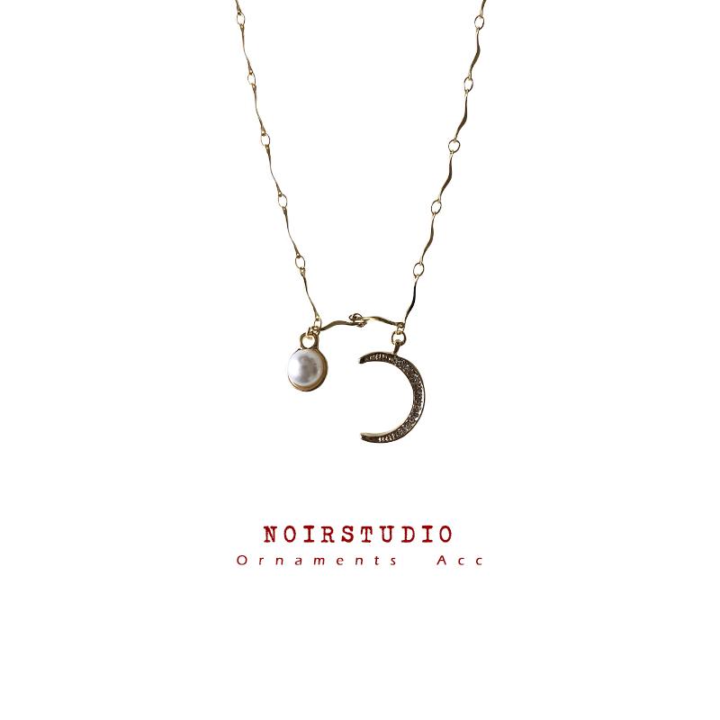 49.00元包邮日月星辰 vintage月亮珍珠复古锁骨链法式小众镀金项链