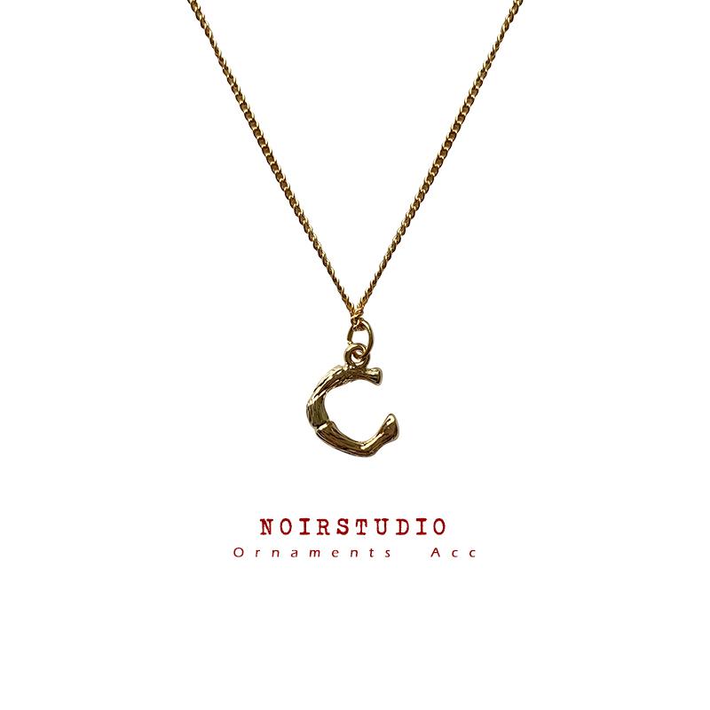 热销101件五折促销欧美高级感情侣26个英文字母项链女颈链ins小众网红锁骨链毛衣链
