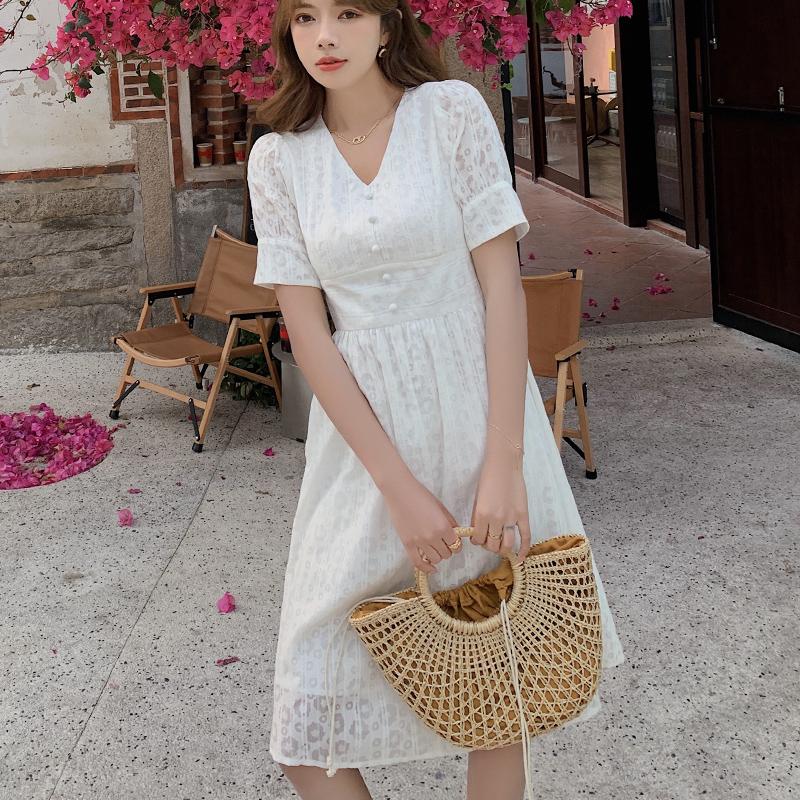 2021夏新款蕾丝连衣裙子女装夏装法式气质显瘦高腰仙女小个子P77