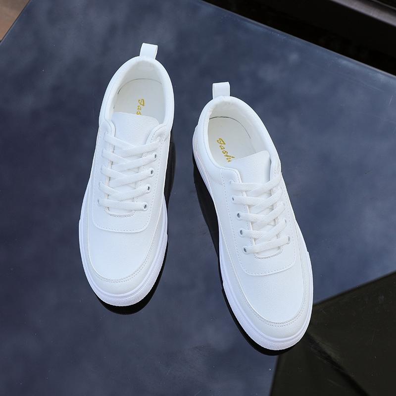 Autumn small white shoes mens board shoes breathable deodorant Korean fashion versatile suit casual shoes mens student flat bottom