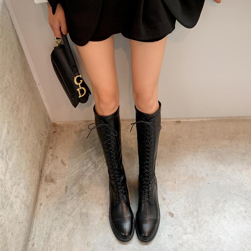 高筒靴穿搭什么衣服好看:高筒靴这些时候穿