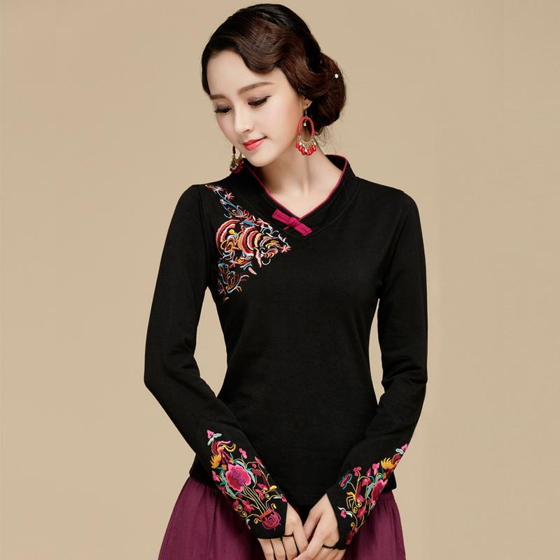 中国云南复古民族风女装打底衫秋冬季新款长袖t恤刺绣花盘扣上衣