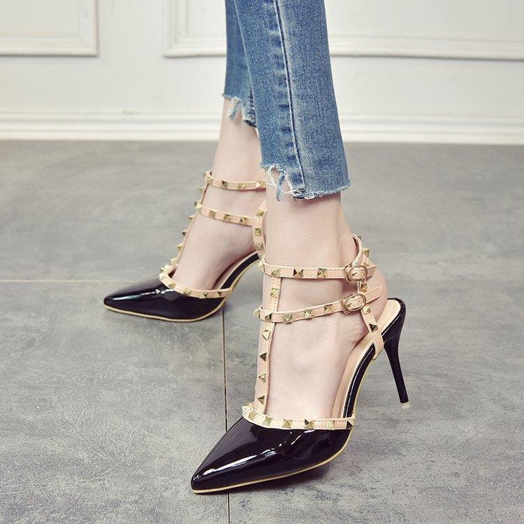 New fashion European and American rivet pointed high heeled shoes sexy thin heel nude bandage high wear resistant buckle womens sandals