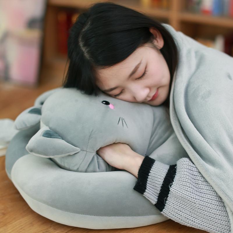 可爱猫咪暖手抱枕公仔毛绒玩具午睡枕布娃娃睡觉冬天暖手捂插手捂