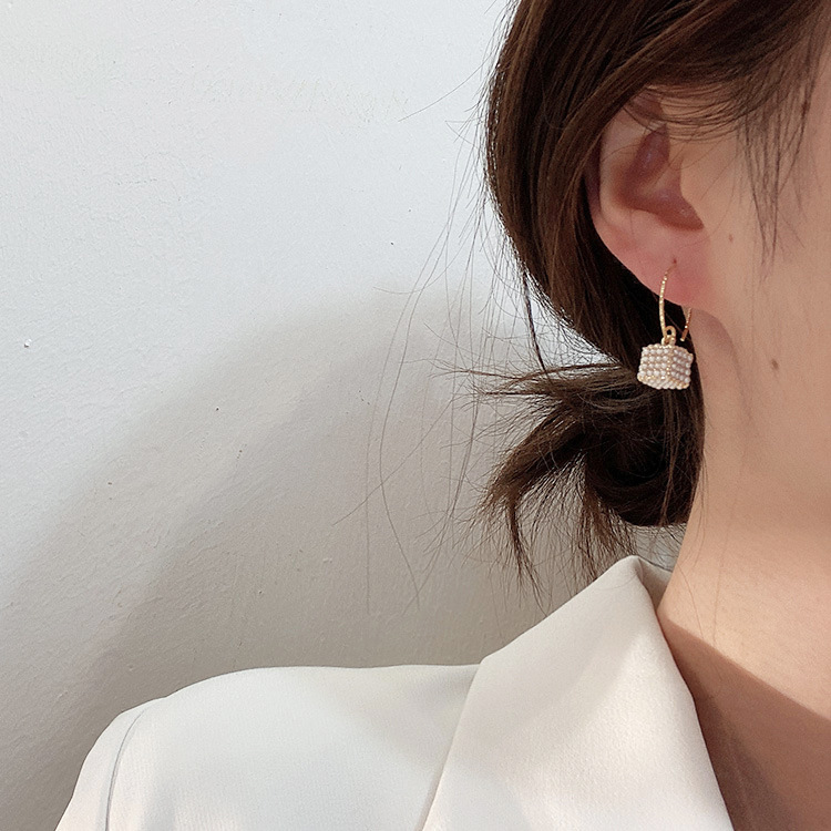 韩国东大门同款几何立体方形珍珠吊坠耳环极简复古日常魔方耳钉