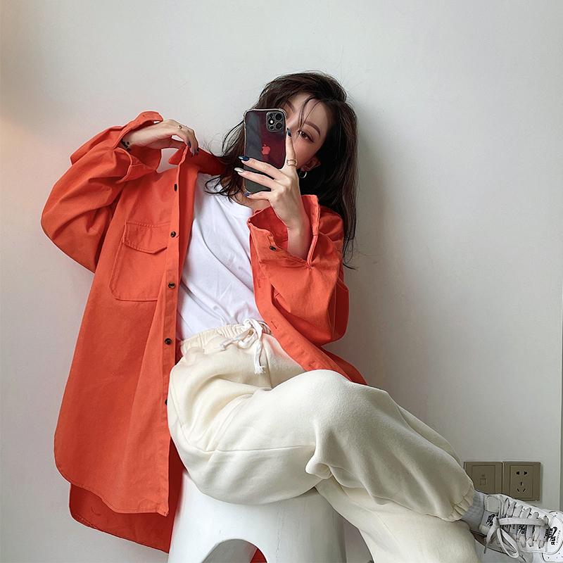 实拍橘色衬衫女长袖设计感宽松上衣春秋港风复古盐系oversize衬衣