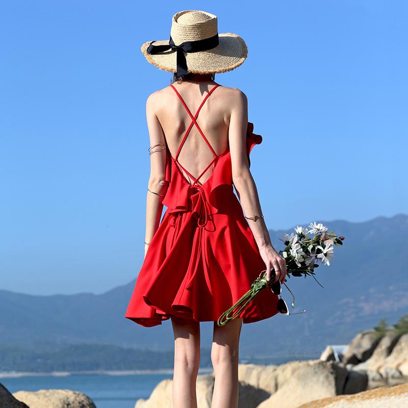 墨颜2019新款女吊带海岛露背沙滩裙