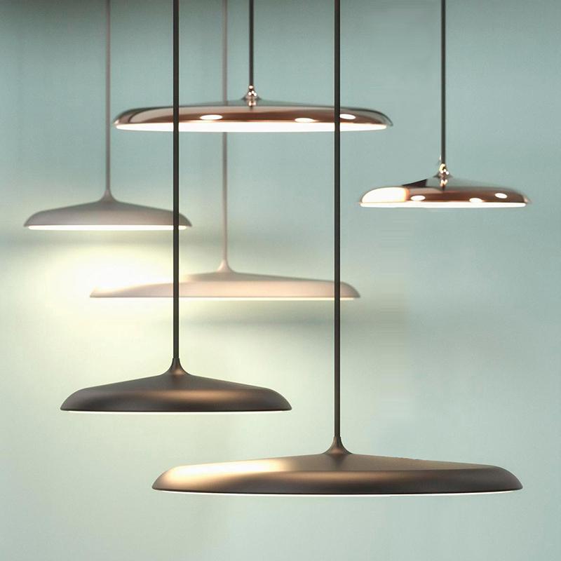 吊灯LED年新款卧室商铺吧台灯轻奢三头飞碟2020北欧简约现代餐厅
