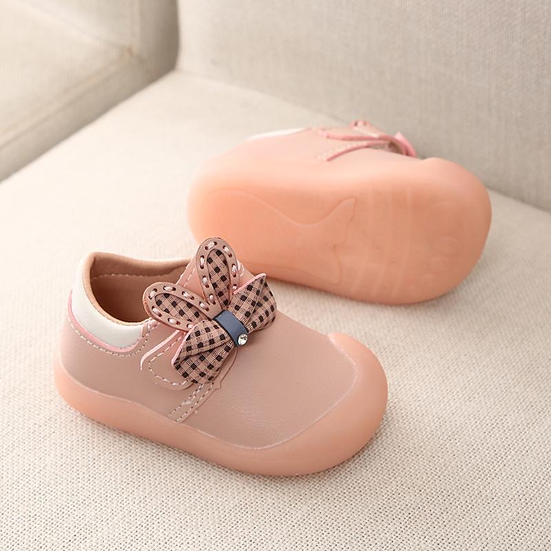 0-2岁1婴儿公主单鞋6-18个月宝宝学步鞋秋冬软底防滑防踢皮鞋女童