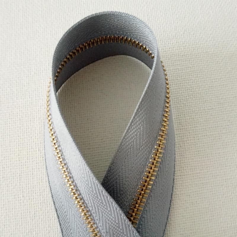 Genuine Swiss imported Riri M4 gold teeth Lili zipper 2129 gray chain cloth hard code with flat teeth