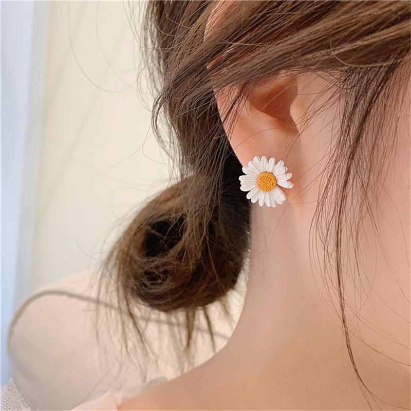 GD权志龙同款小雏菊耳环女韩国气质银针耳钉2020新款潮网红耳饰图片