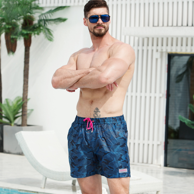 Mens camouflage sports pants outdoor fitness running loose quick drying casual shorts trendy mens seaside holiday