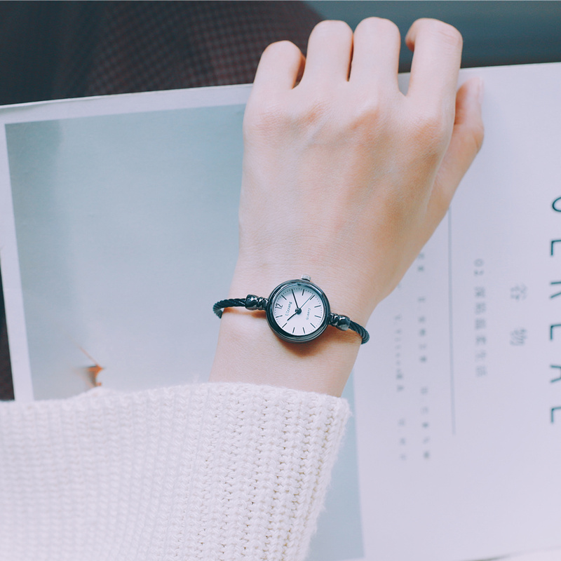 Ins watch female middle school students retro Sen womens Department Korean version simple Ulzzang college yuan Sufeng small bracelet style