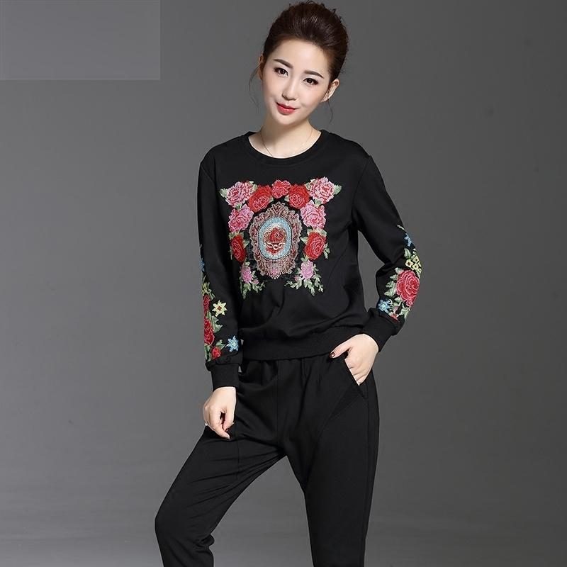 简涵2018春装高档品牌中年妈妈加肥大码女装时尚刺绣花休闲套装