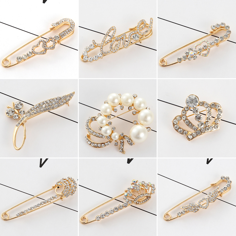 Christmas gift fashion Japanese and Korean pearl key Brooch men and women pin pin coat accessories cardigan shawl buckle