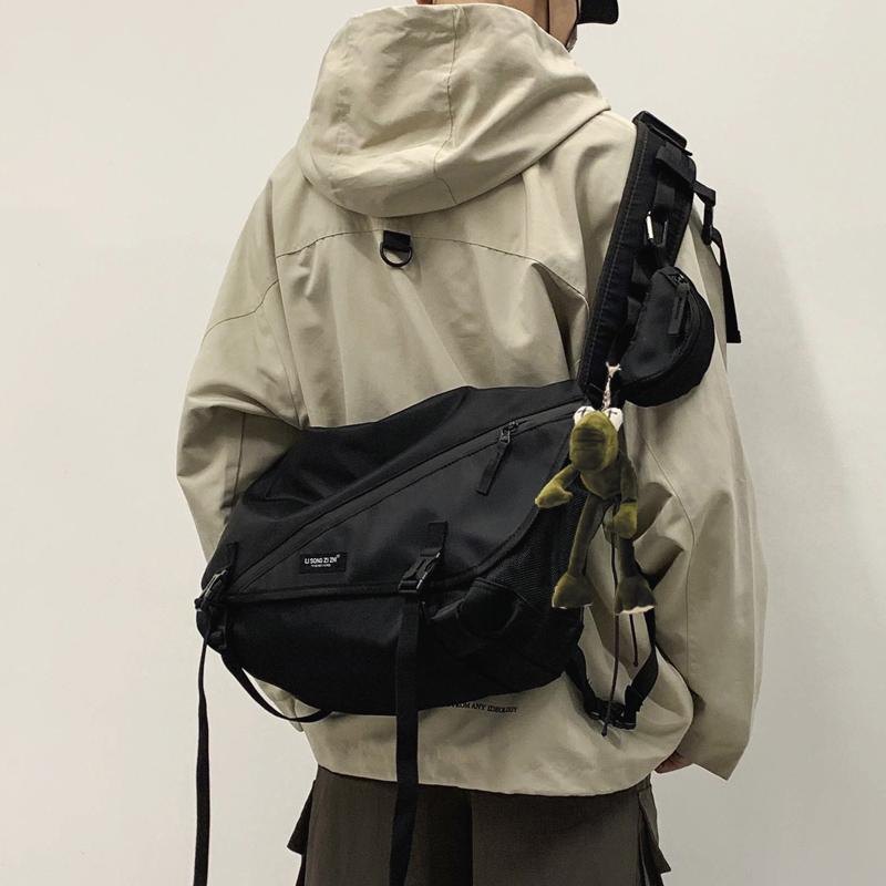 工装包斜挎包男士潮牌日系嘻哈ins挎包休闲学生潮流背包女单肩包