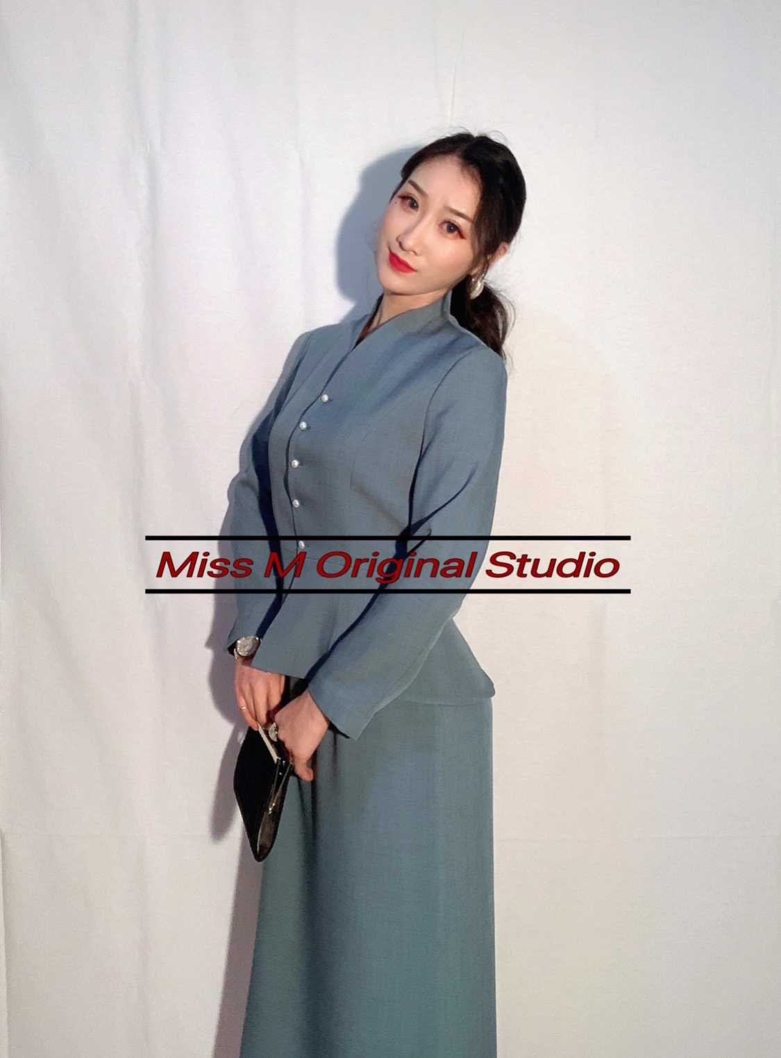Miss M2020春季新女气质优雅纯色收腰显身材重工高端套装上衣套裙
