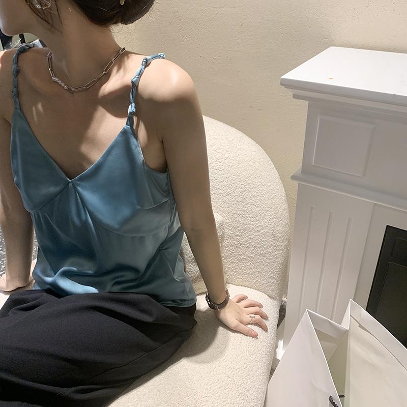 Design sense simple suspender vest womens 2021 summer V-neck Satin backing inside and outside top sexy