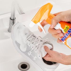 日本进口ST小鸡仔白鞋清洁剂去黄增白泡沫刷鞋喷雾白鞋洗护清洁剂
