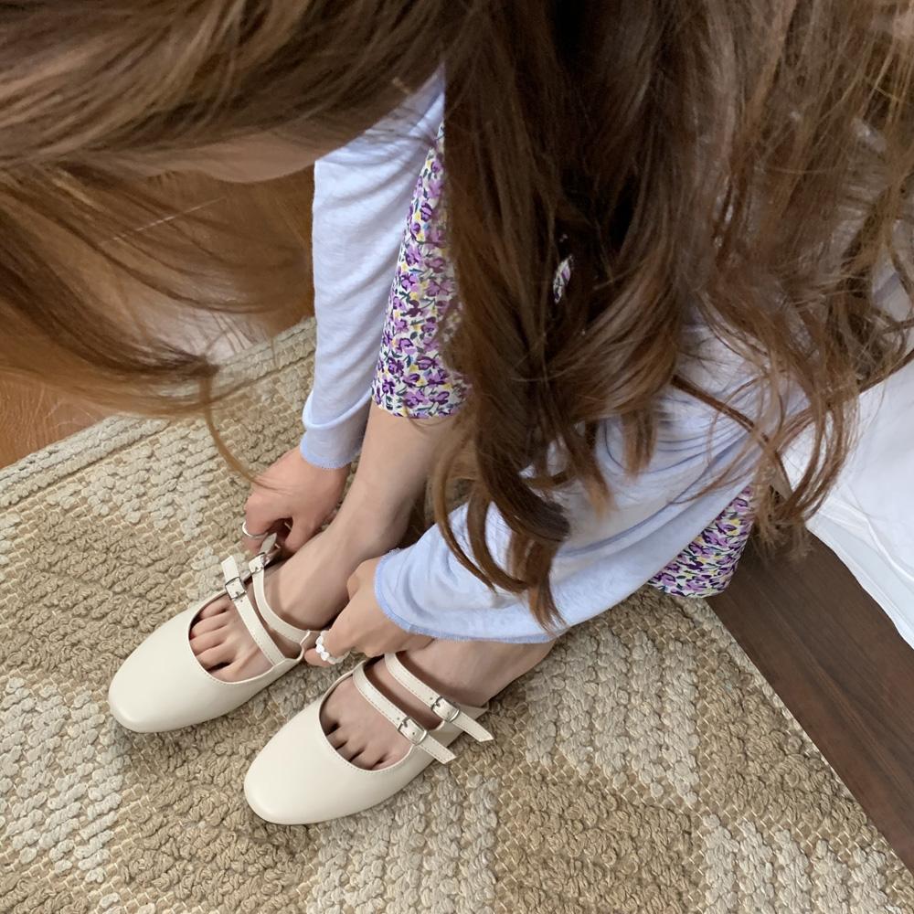 最小的海韩版夏季方头一字扣凉拖鞋