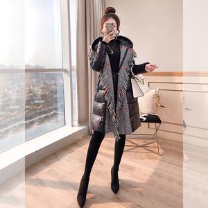 外套黑色收腰秋冬2021年新款女装冬季轻薄修身显瘦中长款羽绒服