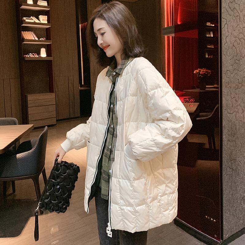欧洲站2020冬装新款欧货羽绒服女轻薄款亮面时尚白鸭绒中长款外套