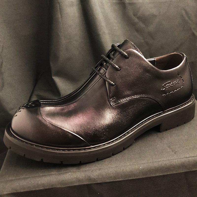 厚底の通気性が高いハンドメイドのビッグサイズの革靴の男性革の広い版の丸い頭の男性靴のビジネススーツの広い頭の商工靴の徳比靴