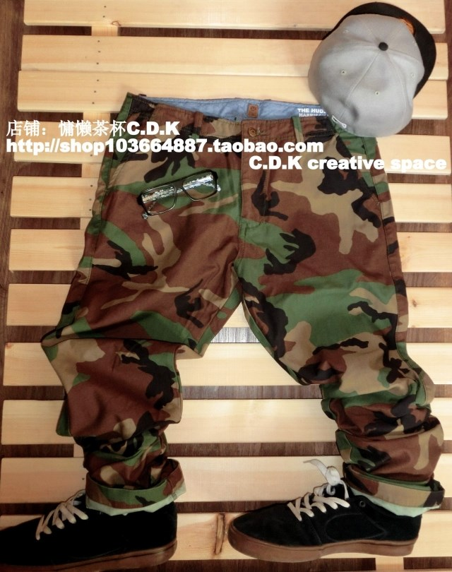 UN camouflage pants overalls camouflage pants mens pants loose straight tube military pants outdoor overalls large package mail