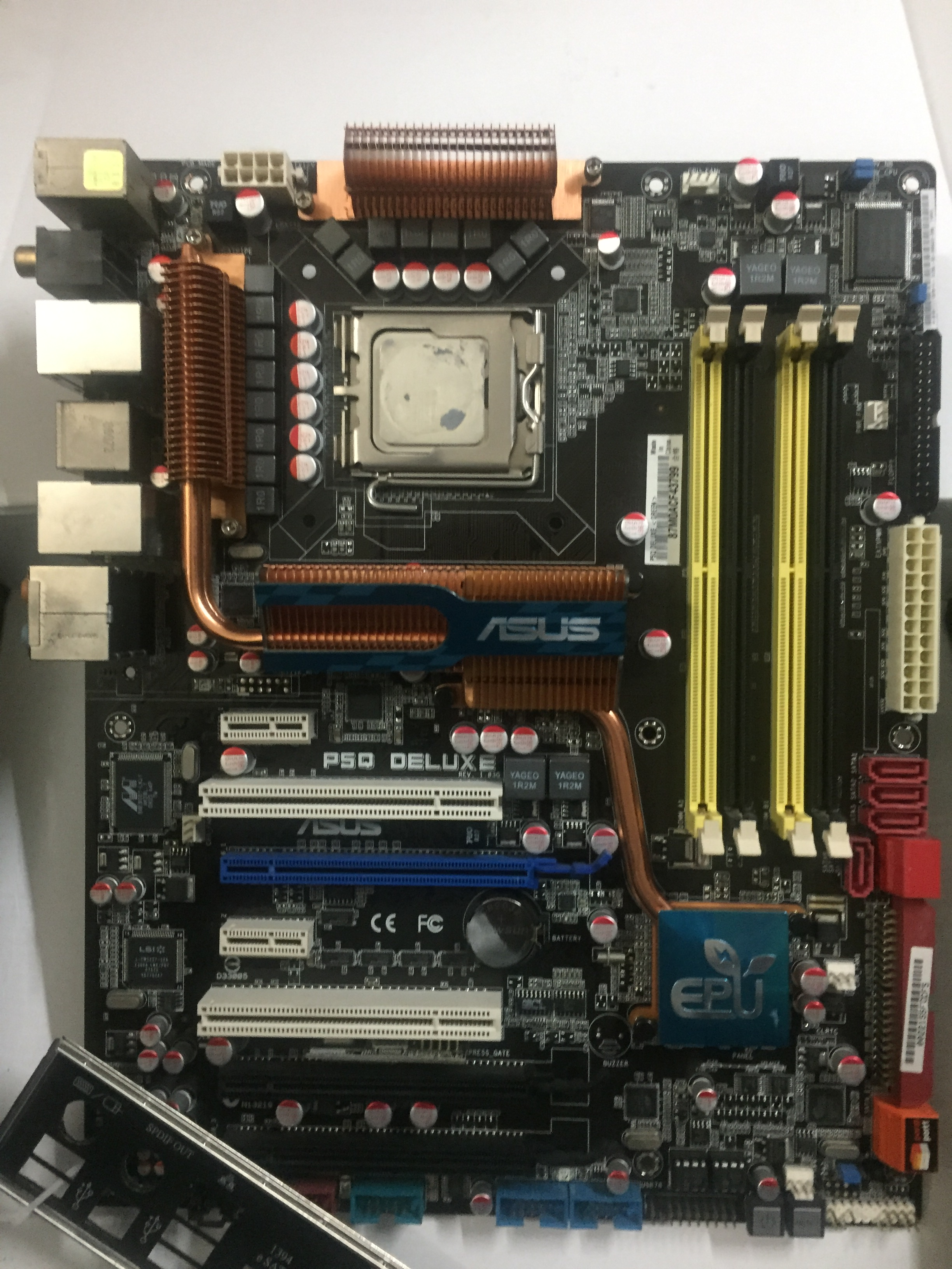 Asus/华硕P5Q Deluxe 全固态豪华P45主板 DDR2 775针16相供电
