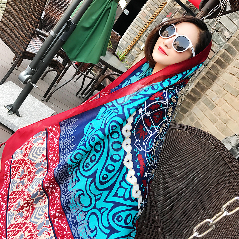 New autumn 2018 printed scarf with fringe ethnic style beach towel air conditioning shawl seaside travel sunscreen silk scarf