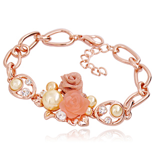 Rose flowers small jewelry Korean fashion female models sweet girlfriends jewelry imitation pearl bracelet bracelet crystal bracelet