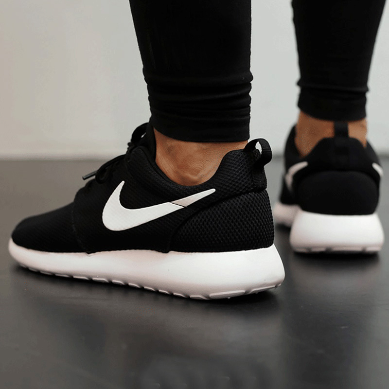 Nike耐克女鞋2019冬季小run健身跑鞋休闲鞋运动跑步鞋844994-002