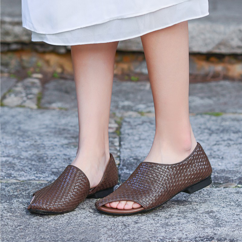Plain womens original handmade leather womens sandals new flat bottom comfortable woven leather high end forest womens literature and art simple