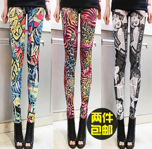 Korea 2013 spring models in Europe and America the original single printing color graffiti leggings women big yards tide was thin letters