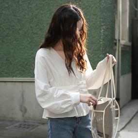 觅定法式泡泡袖收腰短款女白衬衫
