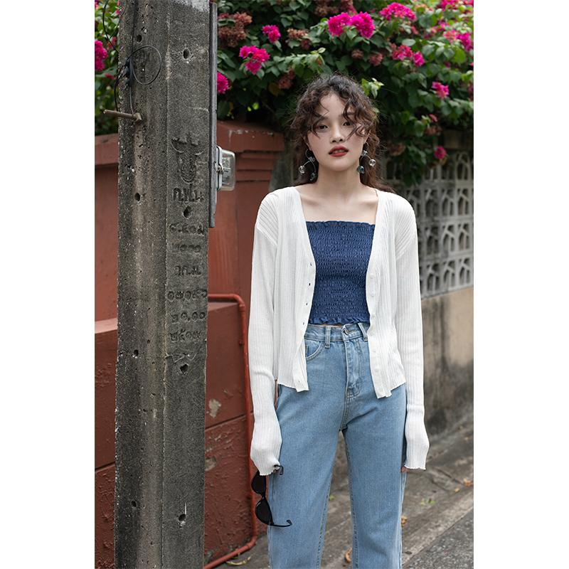 觅定白色防晒衫外搭冰丝针织开衫女夏薄款上衣外套短款2020年新款