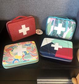 2020新款 出口欧美硬壳定型收纳包收纳箱药品旅行化妆品整理包
