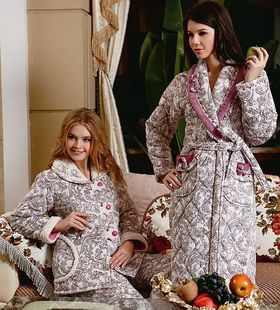 Ms Jin Taixing winter long sleeved thick super soft coral velvet quilted pajamas home service package small floral gown