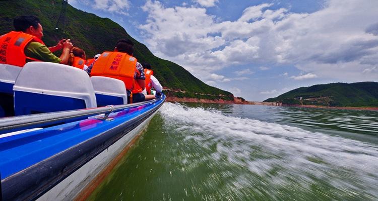 崆峒山景区弹筝湖