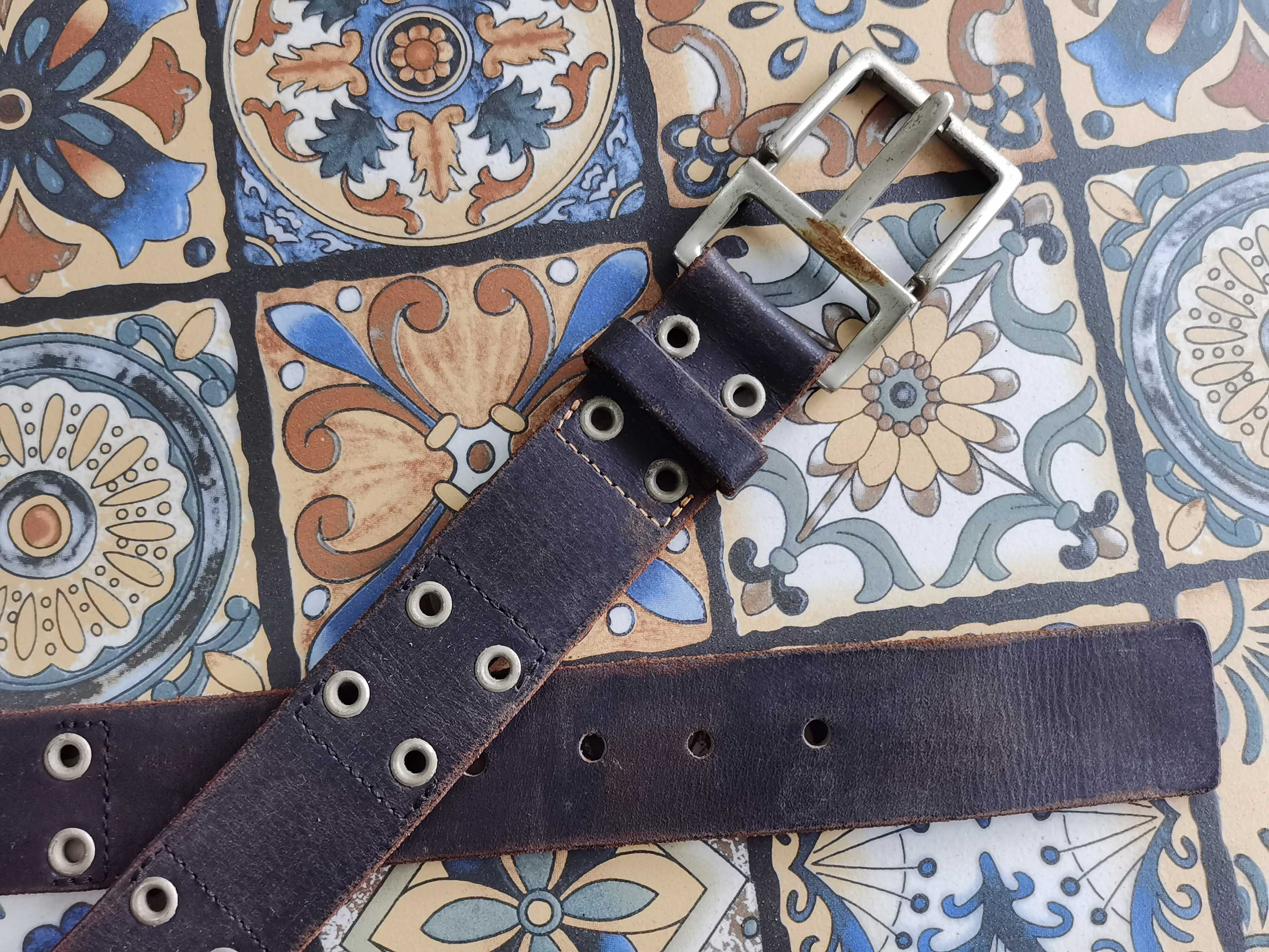 Silver pin buckle, dark brown inlay nail, pure leather, casual mens belt
