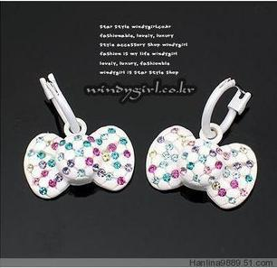 Japanese and Korean style pure sweet princess lovely color Diamond White Bow Earrings