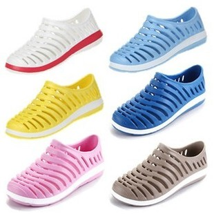 Couples hollow nest hole shoes summer sandals soft bottom breathable men s shoes lazy shoes super lightweight boots