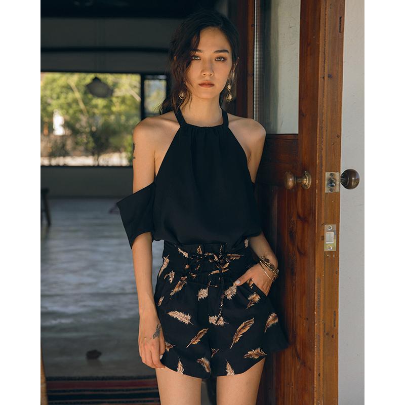 2019新款夏女黑色雪纺短袖t恤性感挂脖一字肩上衣露肩宽松度假